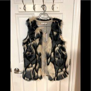 NWT colour block faux fur vest